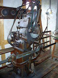 Gatter- und Kreissägenschärfmaschine