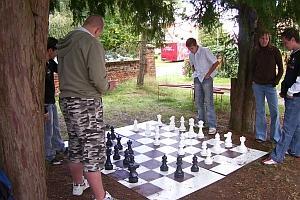 Schachspiel beim Gemeindefest 2007