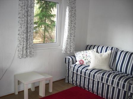 Prieros-Wohnraum-Sofa