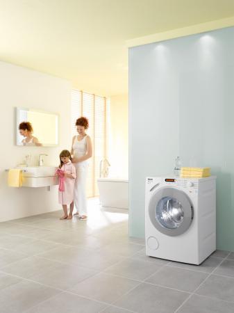 Mit der Eco Feedback-Waschmaschine bietet Miele die Möglichkeit, den Verbrauch von Wasser und Strom immer im Blick zu haben. Zusätzlich verfügt das Gerät über spezielle Eco-Programme, die bis zu 50 Prozent sparsamer als die Energieeffizienzklasse A sind.