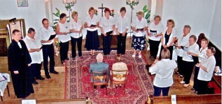 Kirchenchor im Gottesdienst zur Goldenen Hochzeit in Tornau v. d. Heide