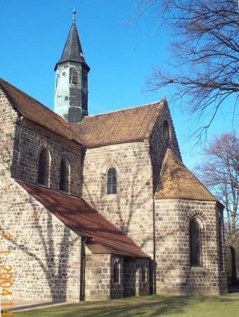(26) Kirche-ost