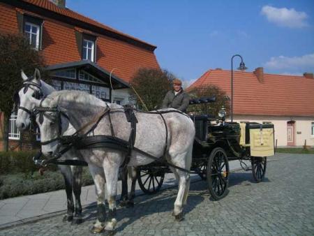 (42) Romantische-Kutschfahrt