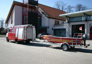Rettungsboot in Kombination mit dem LF 8