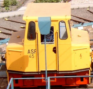 Lokomotiven und Zugfahrzeuge 9
