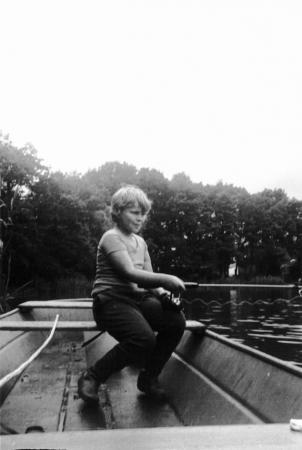Holger beim Angeln 1977