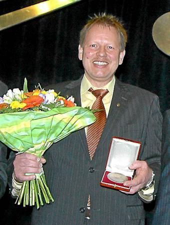 Karl-Heinz Wenzel wird mit der Spohr-Medaille geehrt