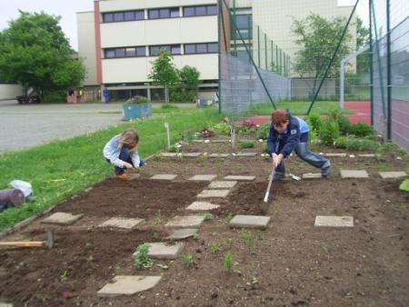 Schulgarten.jpg