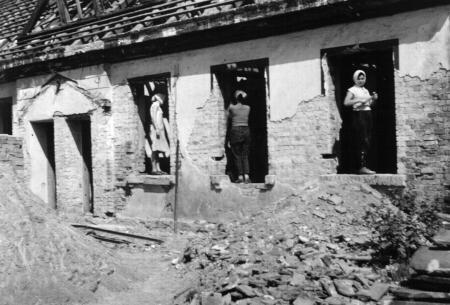 Ausbau des früheren Forstgehöftes zur Pionierstation 1959/1960 (1)