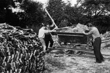 Ausbau des früheren Forstgehöftes zur Pionierstation 1959/1960 (2)