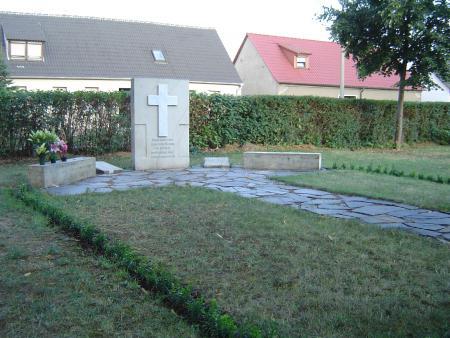 Urnengemeinschaftsanlage auf dem Friedhof Quellendorf
