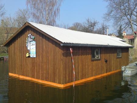 Gehrt Fischhaus vom See.JPG