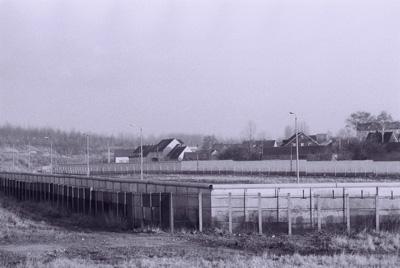 Schwarz/weiß-Foto des Grenzdenkmals