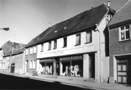 Haus Löwi, Foto von 1990)