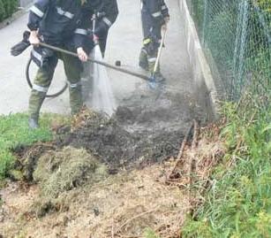 komposthaufen in Flammen