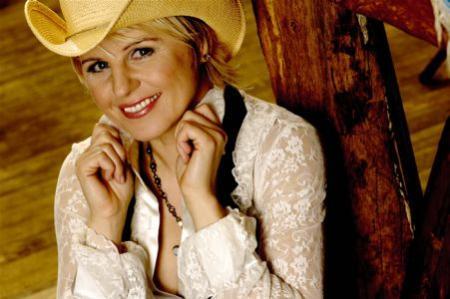 Linda Feller 3