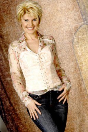 Linda Feller 4