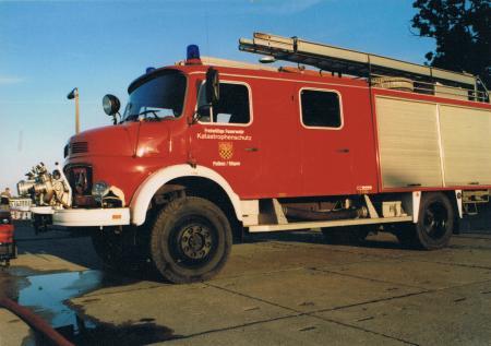 Löschfahrzeug LF 16-TS