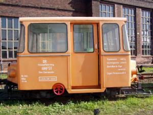 Lokomotiven und Zugfahrzeuge 10