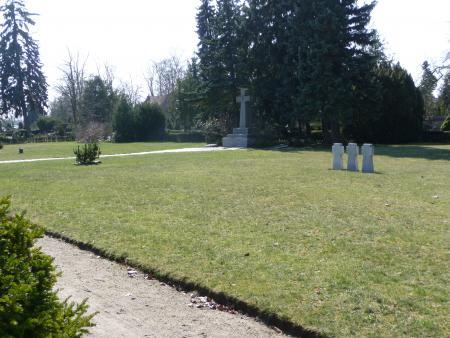 Kriegsgräberstätte am Steinkreuz