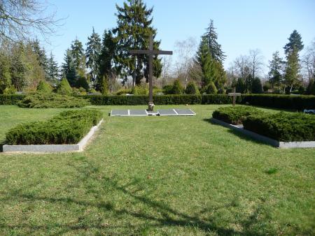 Kriegsgräberstätte am Holzkreuz