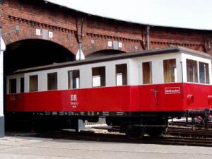 Lokomotiven und Zugfahrzeuge 11