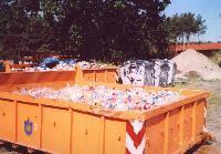 Container mit Papierkorbmüll