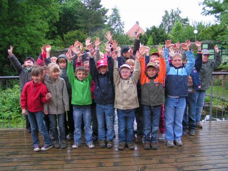 Klasse 2 zum Kindertag im Schuljahr 2009 / 2010