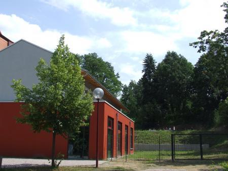 Schule Aula und Hof