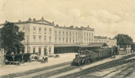 Bahnhof um 1920