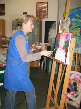 Frau Faßelt- Knopf beim Arbeiten