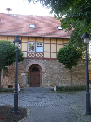 Schule nach Sanierung 2002/03