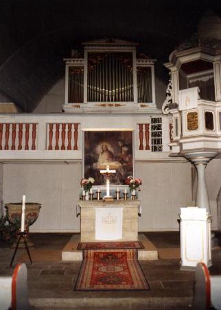 Blick zum Altarraum