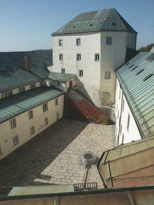 Burghof von oben