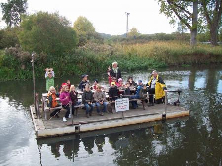 Floßtour auf der Recknitz mit Schülern der Grundschule Marlow