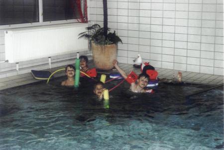 Gern planschen unsere Kinder im Bewegungsbad gleich nebenan