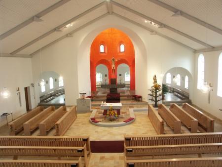 O409e028 Kirche Innen nach Renovierung.jpg